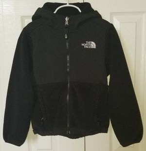 NorthFace Girls Denali Jacket Hoodie XS (6) for Sale in Frederick, MD
