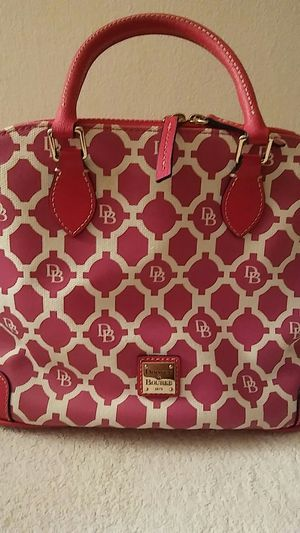 Dooney & Bourke. Hand Bag for Sale in Alexandria, VA