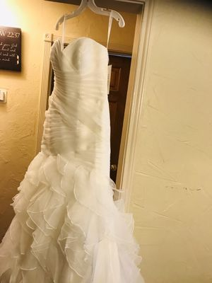 Dave and bridle weddings dress for Sale in Dallas, TX