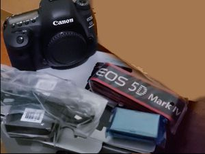 Canon 5D MARK IV for Sale in Baltimore, MD