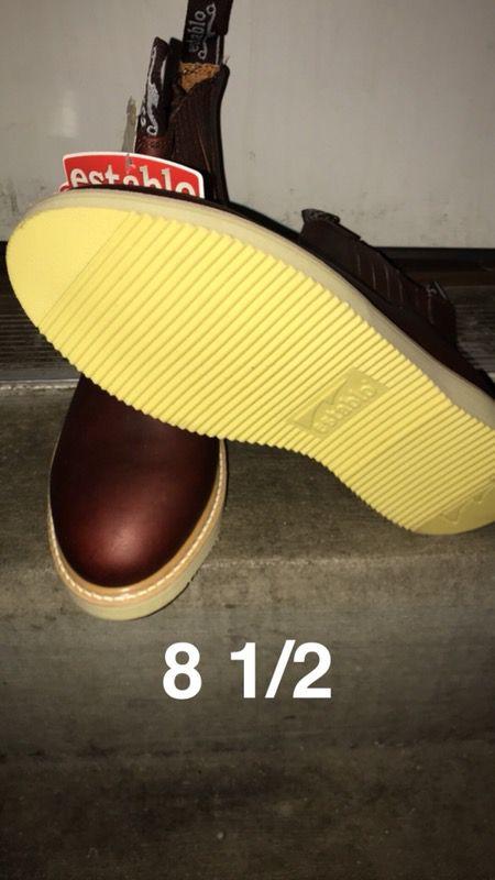 Establo work boots size 8 1/2