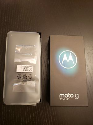 Motorola G Stylus 128gb phone with cover for Sale in Freehold, NJ