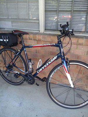Cannondale Quick bike c4 for Sale in Greenbelt, MD