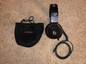 beats pro over-ear headphones - black for Sale in Fresno, CA