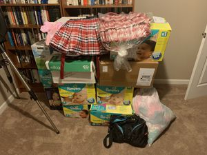 19 boxes of Newborn-2T girls clothing, diaper bag, and bibs for Sale in Plano, TX