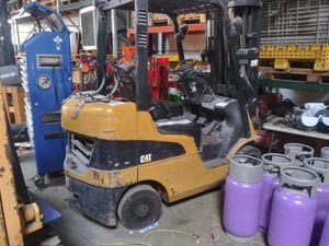 Hilo/forklift/lift truck for sale for Sale in Warren, MI