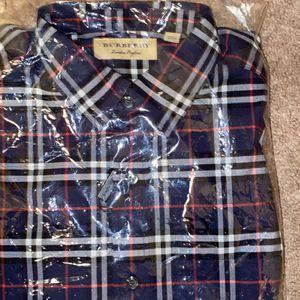 Burberry Smart Shirt for Sale in Pembroke Pines, FL