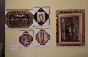 Variedad de retratos religiosos. for Sale in Victoria, TX