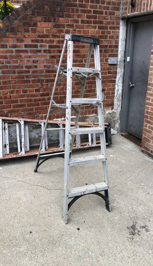 6 foot ladder for Sale in Queens, NY