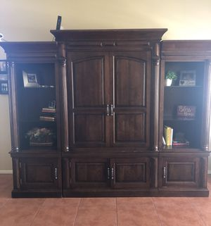 Dark Wood Entertainment Center *****Need to Sell***** for Sale in Hemet, CA