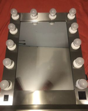 Vanity mirror for Sale in Perris, CA