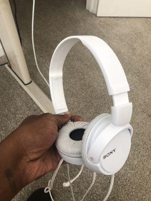$8 Sony Headphones for Sale in Hampton, GA