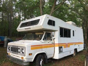 1977 Winnebago GMC Motorhome Camper Title in hand, currently not running for Sale in Charleston, SC