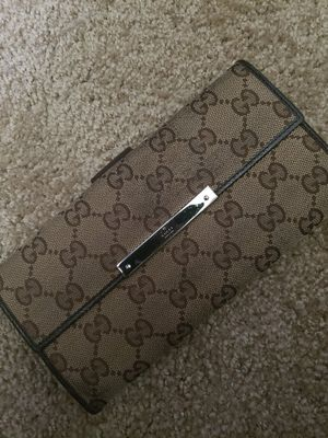 Women's gucci wallet for Sale in Riverside, CA