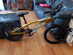 MONGOOSE HOOP D BMX BIKE for Sale in Denver, CO