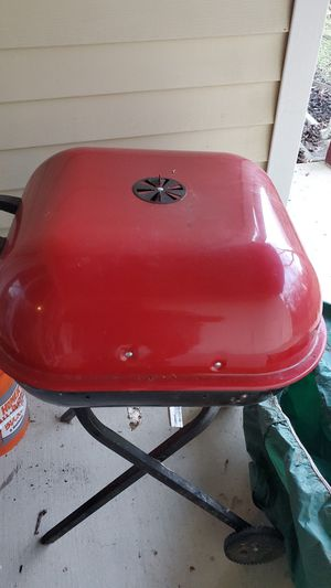 Charcoal grill for Sale in Laurel, MD