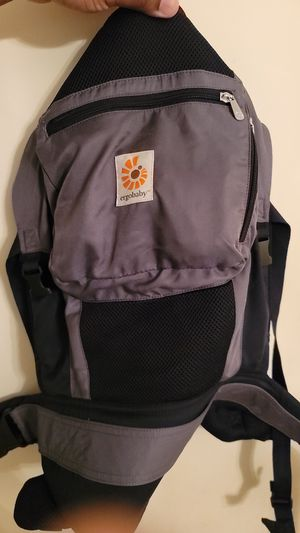 Baby Carrier ErgoBaby for Sale in Greenbelt, MD