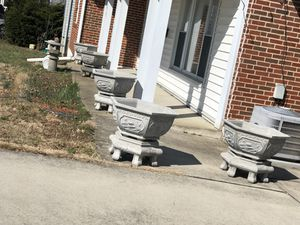 1 flower pot and the base of the flower pot is $ 150 for Sale in Catonsville, MD