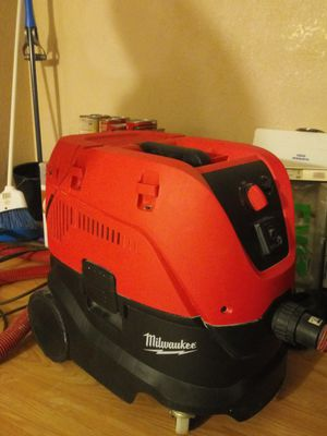 Milwaukee 8 gallon dust extractor vacuum for Sale in Dallas, TX