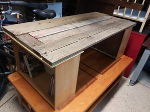 Rustic coffee table or bench for Sale in Bartow, FL