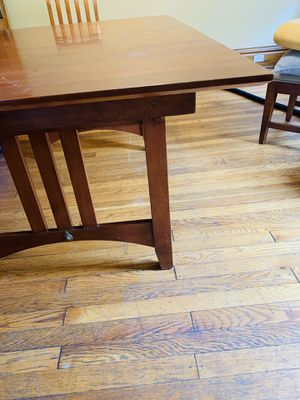Dining room table for Sale in Morgantown, WV