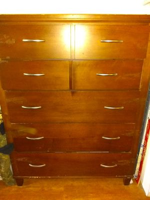 Wooden dresser, with 5 drawers. for Sale in Fullerton, CA