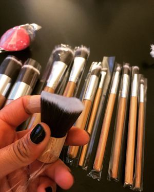 Bamboo makeup brushes set for Sale in San Diego, CA