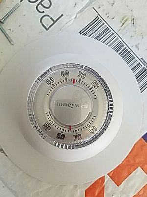Honey well heating thermostat for Sale in Haymarket, VA