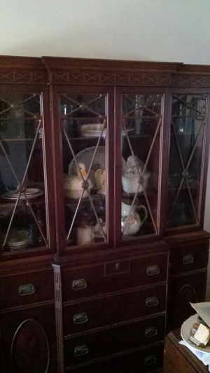 Antique wood China cabinet for Sale in West Palm Beach, FL