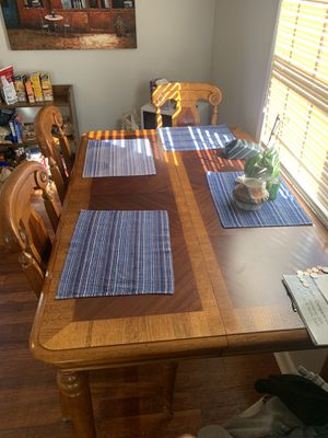 Kitchen table 5 chairs for Sale in North Chesterfield, VA