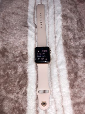 Apple Watch Series 3 42mm Rose Gold - Cellular/GPS for Sale in Huntington Beach, CA