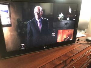 TV 32 inches LG like new for Sale in Moreno Valley, CA