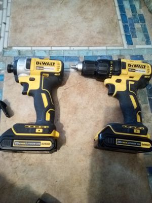 DeWalt 20v drill set with hits and stud finder for Sale in Turlock, CA