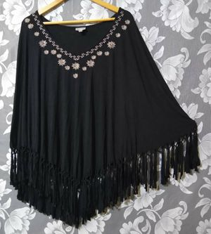 Women's Black Boho Fringed Poncho Shirt Sz 18/20 ***GREAT CONDITION-CLEAN*** for Sale in Tacoma, WA