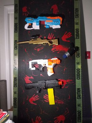 "88"" by 42"" nerf gun zombie wall with guns and hooks for Sale in Fresno, CA"