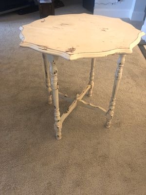 Beautiful antique table for Sale in Franklin, TN