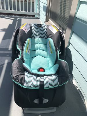 Baby Car seat by Evenflo brand for Sale in Auburn, WA