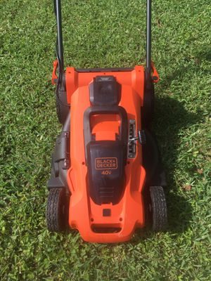 Cordless land mower Black and Decker new never used Kendall lakes area for Sale in Miami, FL