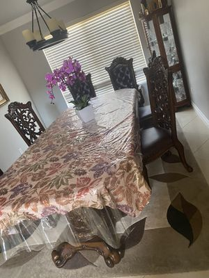 Dining table with 6 chairs for Sale in Las Vegas, NV