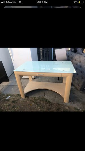Table for Sale in Inglewood, CA
