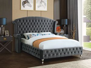 New! Gray King Velvet Platform Bed for Sale in Columbia, MD