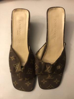 Authentic Louis Vuitton women's heels beat size 10 for Sale in Centreville, VA