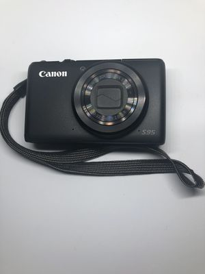 Canon PowerShot s95 Digital Camera w/charger and Leather Case for Sale in Santa Ana, CA