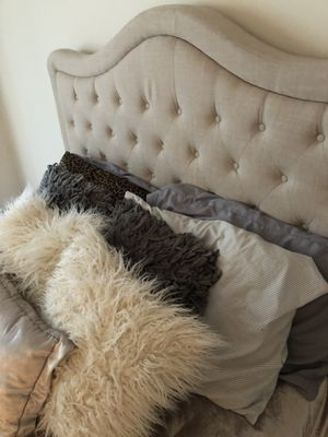 Full Size Upholstered Tufted Bed for Sale in Chantilly, VA