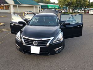 Nissan altima s 2014 for Sale in Portland, OR