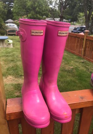 HUNTER pink rain boots 4 kids for Sale in Portland, OR