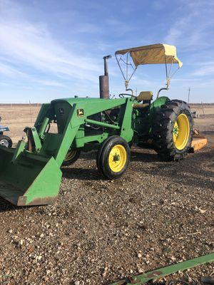 1530 John Deere diesel tractor with loader and shredder for Sale in Wolfforth, TX