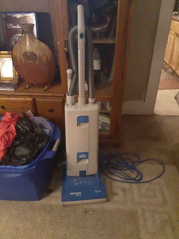 Windsor sensor xp 12 commercial vacuum