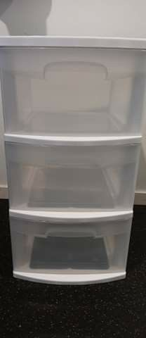 Sterilite 3 Drawer Tower ( No Wheels) Like New. for Sale in Seattle,  WA