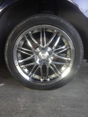 5 lugs rims for Sale in Fresno, CA